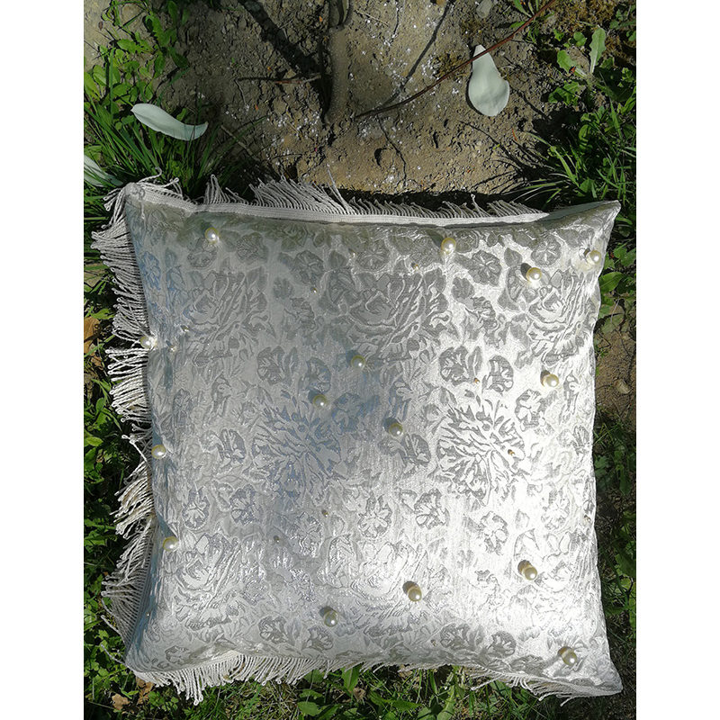 pillow with white cultured pearls